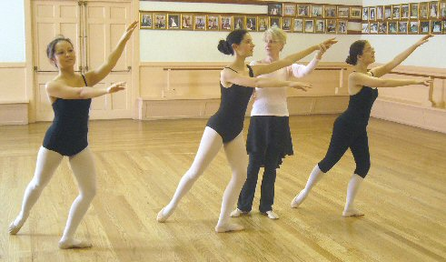 El Cerrito Ballet Center, offering ballet classes using the Royal Academy of Dance syllabus,
